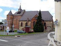 L'église - Le Donjon et ses deux tours